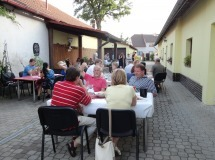 vino italiano garden party